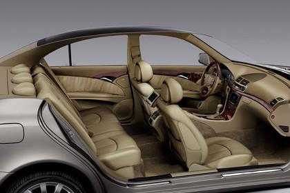 E-Klasse Limousine W211 Innenansicht Innenraum statisch beige