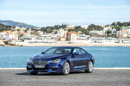 BMW 6er Coupe F13 Aussenansicht Front schräg statisch blau
