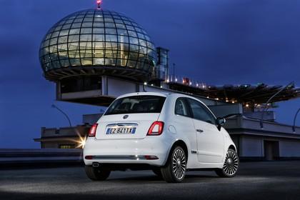 Fiat 500 312 Aussenansicht Heck schräg statisch weiss