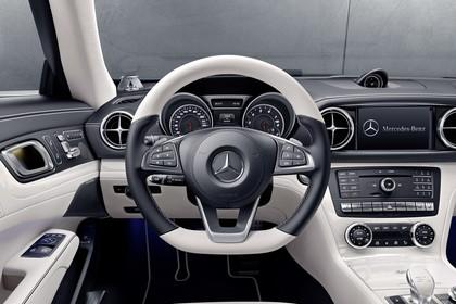 Mercedes SL R231 Innenansicht Studio Fahrerposition statisch schwarz weiß