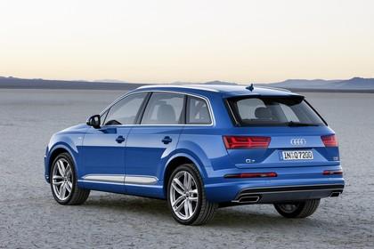 Audi Q7 4M Aussenansicht Heck schräg statisch blau