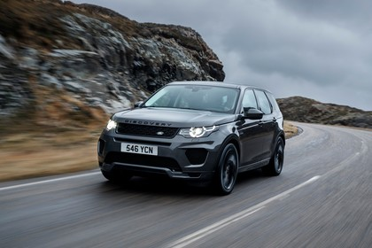 Land Rover Discovery Sport L550 Aussenansicht Front schräg dynamisch grau