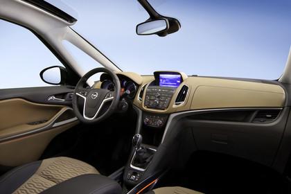 Opel Zafira C Tourer Innenansicht Beifahrerposition Studio statisch beige