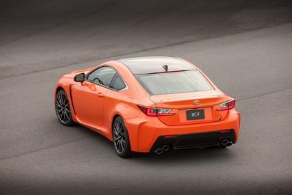 Lexus RC F X10 Aussenansicht Heck schräg statisch orange