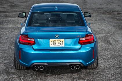 BMW 2er M2 Coupe F87 Aussenansicht Heck statisch blau