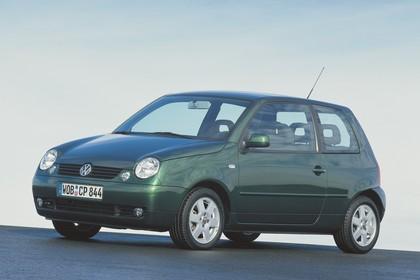 VW Lupo 6E Aussenansicht Seite schräg statisch grün
