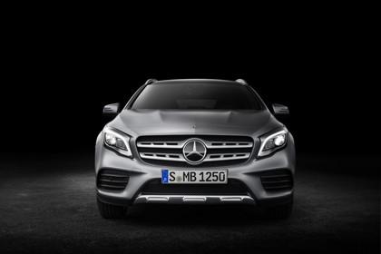 Mercedes-Benz GLA X156 Aussenansicht Front Studio statisch grau