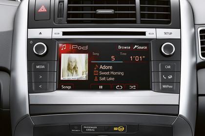 Toyota Verso (ARA2) Innenansicht Detail Radio