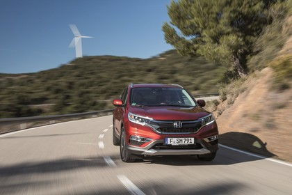 Honda CR-V RE Aussenansicht Front schräg dynamisch rot