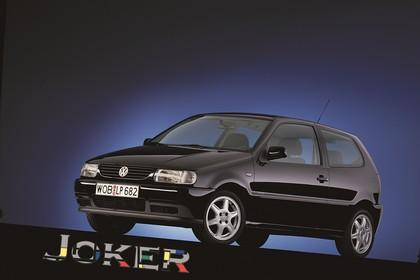 VW Polo 3 Dreitürer 6N Aussenansicht Front schräg statisch Studio schwarz
