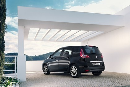 Renault Scenic JZ Aussenansicht Heck schräg schwarz