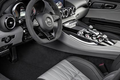 Mercedes-AMG GT C190 Innenansicht Einstieg Fahrerseite statisch grau