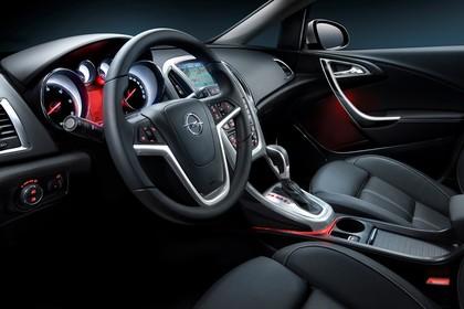 Opel Astra J Innenansicht Fahrerposition Studio statisch schwarz