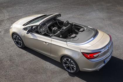 Opel Cascada Aussenansicht  Seite schräg erhöht statisch gold
