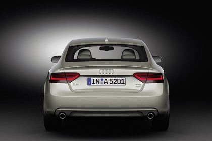 Audi A5 Sportback Facelift Aussenansicht Heck Studio statisch silber