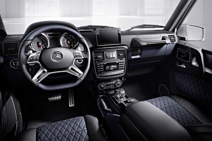 Mercedes-Benz G-Klasse W463 Innenansicht Fahrerposition Studio statisch schwarz