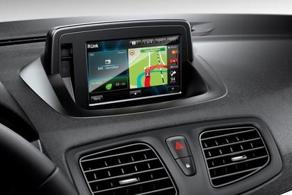 Renault Fluence Z Facelift Innenansicht statisch Studio Detail Infotainmentbildschrim