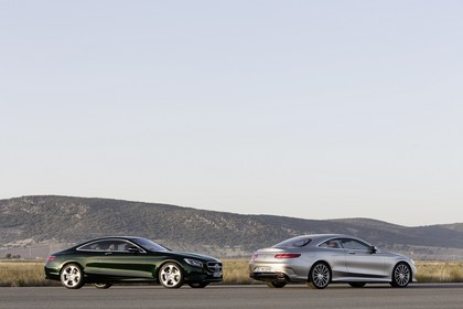 Mercedes-Benz S-Klasse Coupé C217 Aussenansicht Seite schräg statisch grün grau