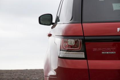 Land Rover Range Rover Sport LW Aussenansicht Detail statisch rot Rückleuchte