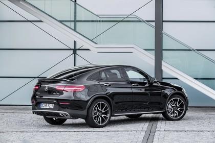 Mercedes GLC Coupe C253 Aussenansicht Heck schräg statisch schwarz