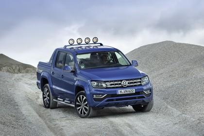 VW Amarok Aussenansicht Front schräg statisch blau