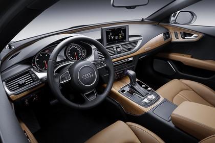 Audi A7 4G Innenansicht Fahrerposision Studio statisch braun