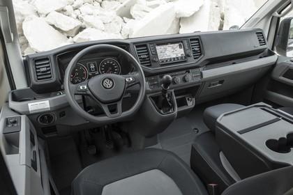 VW Crafter Innenansicht statisch Sitze und Armaturenbrett fahrerseitig