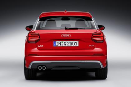 Audi Q2 Aussenansicht Heck Studio statisch rot