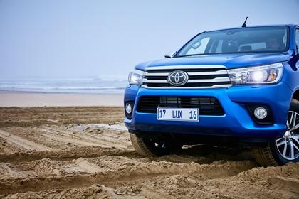 Toyota Hilux AN1P Aussenansicht Detail blau Front