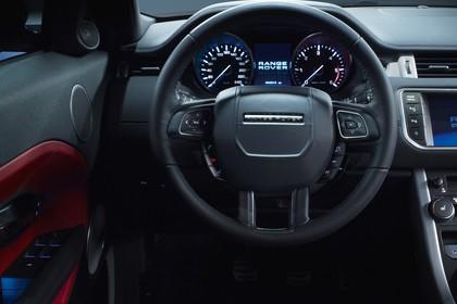 Land Rover Range Rover Evoque Coupé L538 Innenansicht Studio Detail statisch schwarz Tacho