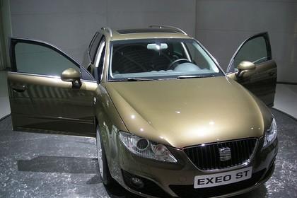 SEAT Exeo ST 3R Aussenansicht Front schräg statisch gold
