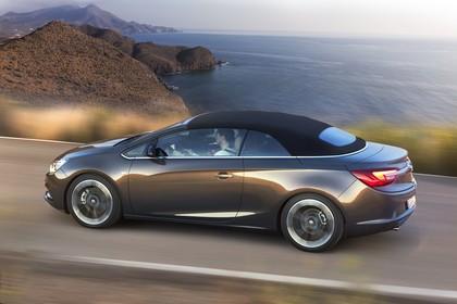 Opel Cascada Aussenansicht Seite dynamisch grau