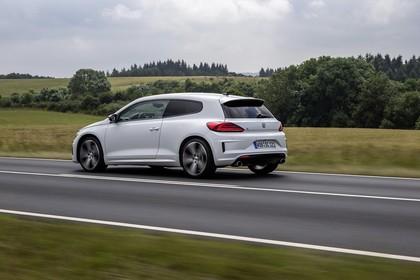 VW Scirocco Typ 13 Aussenansicht Heck schräg dynamisch weiss