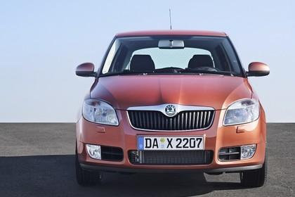 Skoda Fabia 5J Aussenansicht Front statisch orange