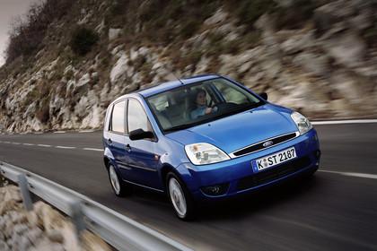 Ford Fiesta Aussenansicht Front schräg statisch blau