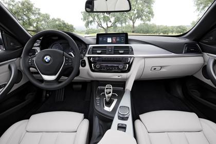 BMW 4er Coupe F32 Innenansicht zentral statisch beige