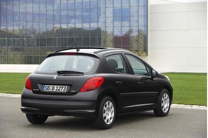 Peugeot 207 Aussenansicht Heck schräg statisch schwarz