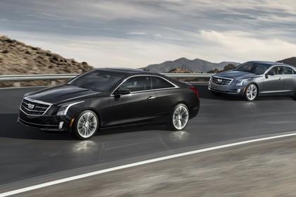Cadillac ATS Limousine Aussenansicht Seite schräg dynamisch schwarz grau