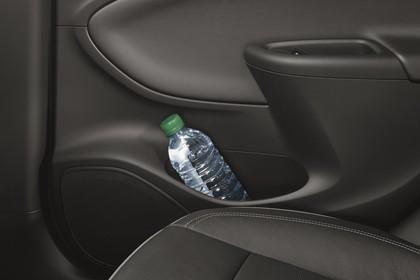 Opel Astra K 5türer Innenansicht Türverkleidung Beifahrer hinten statisch schwarz