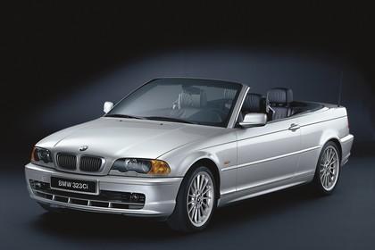 BMW 3er Cabriolet E46 Aussenansicht Front schräg statisch Studio silber