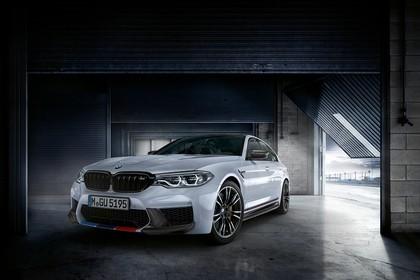 BMW M5 F90 Aussenansícht Front schräg statisch weiss