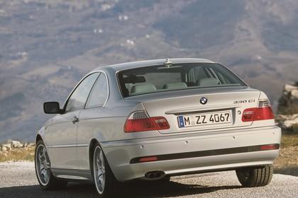 BMW 3er Coupé E46 LCI Aussenansicht Heck schräg statisch silber