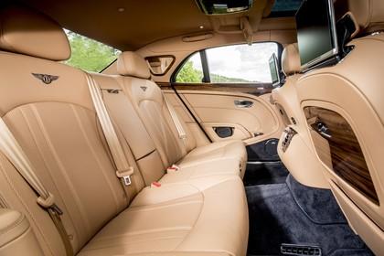 Bentley Mulsanne Innenansicht statisch Rücksitze beifahrerseitig