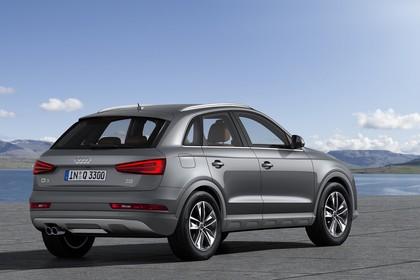 Audi Q3 Aussenansicht Heck schräg statisch grau