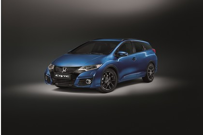 Honda Civic Tourer 9 Aussenansicht Front schräg statisch Studio blau