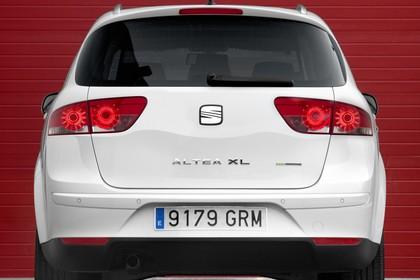 SEAT Altea XL 5P Facelift Aussenansicht Heck statisch weiss