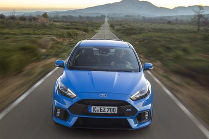 Ford Focus RS DYB-RS Aussenansicht Front dynamisch blau