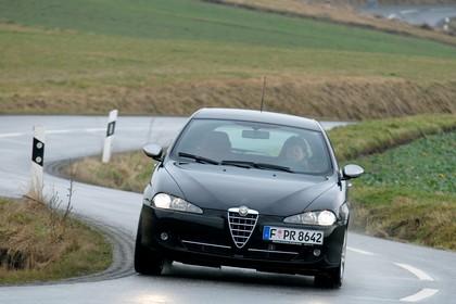 Alfa Romeo 147 Fünftürer 937 Aussenansicht Front dynamisch schwarz