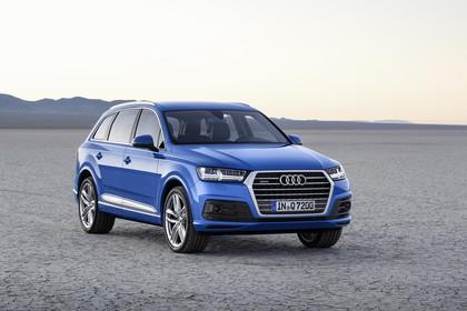 Audi Q7 4M Aussenansicht Front schräg statisch blau