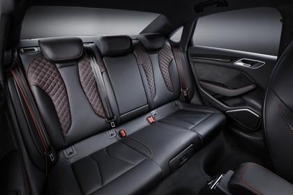 Audi RS3 Innenansicht Rücksitzbank Studio statisch schwarz